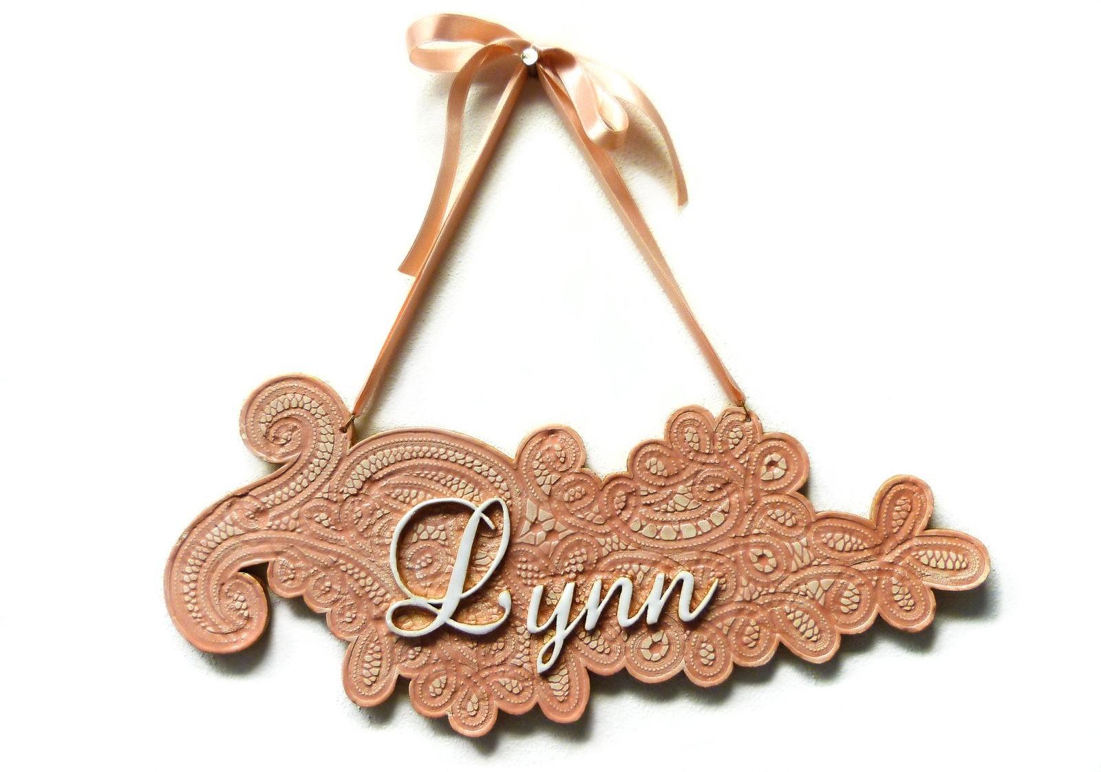 Naambord gemaakt voor baby Lynn.