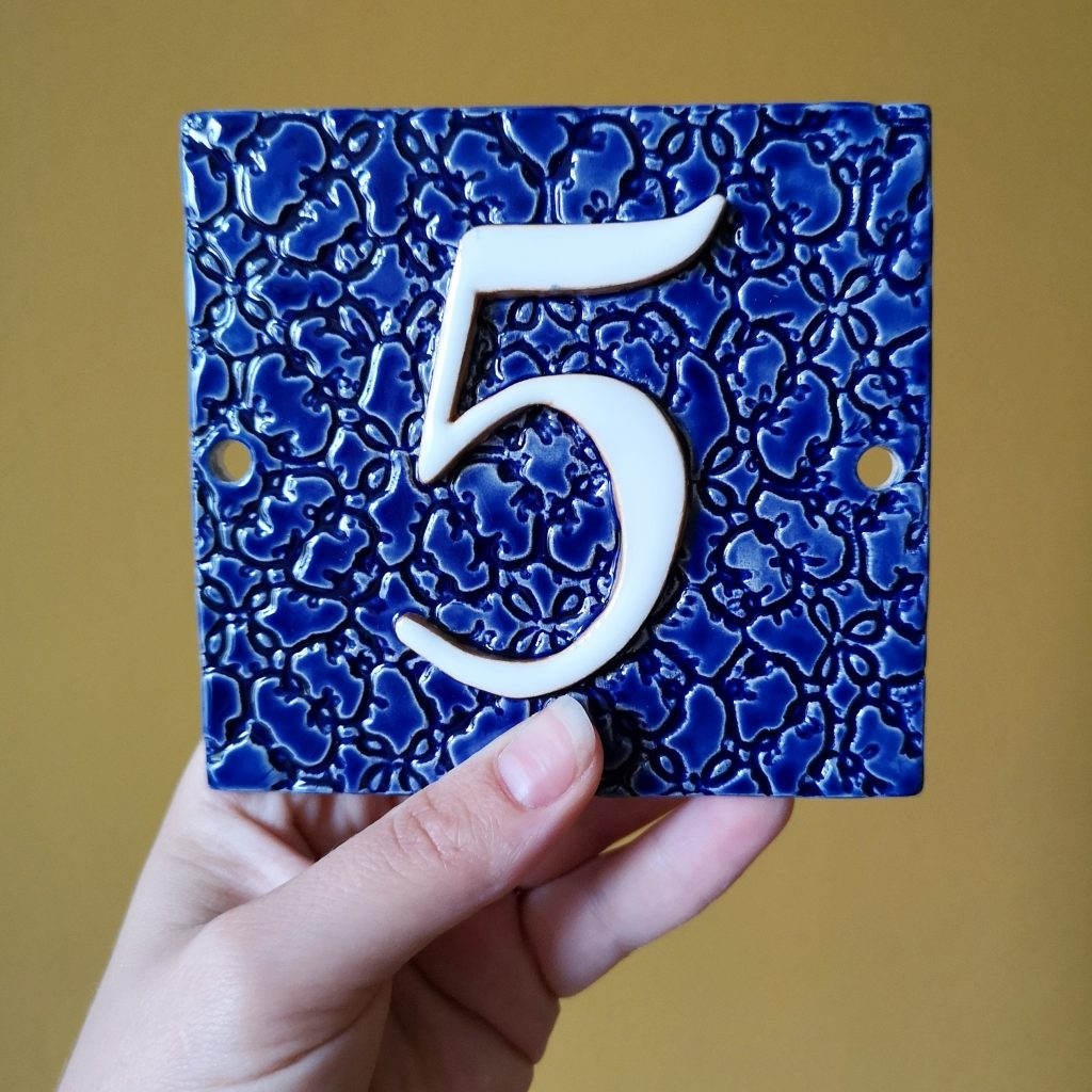 Huisnummer 5 blauw